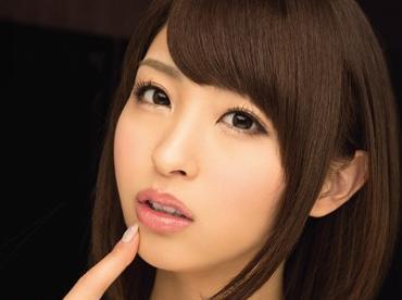 『ビクビクさせちゃって…かわいい♡』秋山祥子が舌と舌を絡めあわせる濃密ベロキス!目隠し痴女責めでドM男が悶絶!