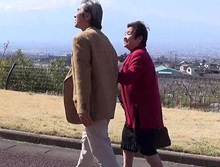 『お互いまだまだ若いわね♡』超高齢夫婦が傘寿フルムーンで温泉旅行!完熟ボディが情熱的に絡み合う熟年セックス!