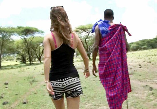 ◆AIKA◆黒ギャル女優がアフリカ原住民とワイルドファック!青空のもと黒人メガチンポで悶え狂う性的国際交流w