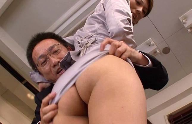 新任美人教師が巨乳ボディで男子生徒にイケナイ指導♡教頭にはチンポをブチ込まれセクハラファックw