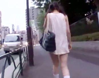 名門お嬢様学校の制服美少女が痴漢どもの餌食に!無理やりイカせて絶頂マンコにチンポをねじ込む鬼畜レイプ!