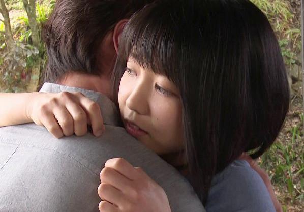 【戸田真琴】19歳の清楚系美少女は男性経験ナシの処女娘!初めてのチンポにドキドキしながらイジり始める♡