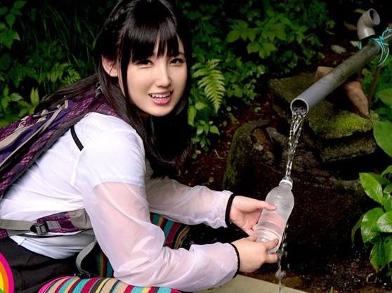 『お尻イイよぉ♡』激カワ山ガールはとんだヤリマン娘ww山中でじっくりアナル責めしたら旅館で乱交アナルファック!