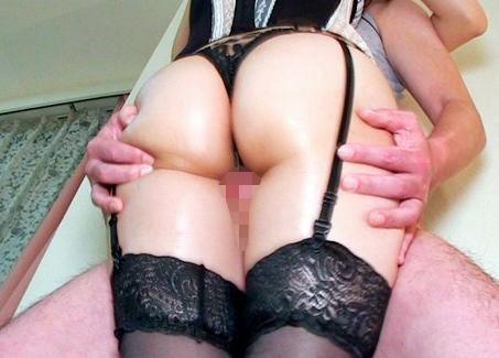 『そんなに太ももがいいの?♡』ガーター美女がドMチンポを腿コキ♡股下に挟み込みムチムチ肉感でどっぷり搾り取る!