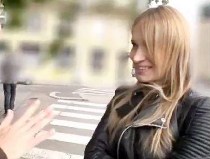 【金髪外人美女】ヨーロッパの極上巨乳娘が性感マッサージ体験!即発情したマンコにチンポ挿入されそのまま膣内射精!