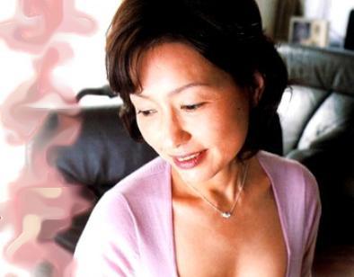 『好きにしていいのよ♡』美人熟母が息子のオナニー現場を目撃し発情!近親チンポを咥え込みハメ狂う母子セックス!