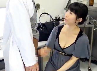 夫のED相談に訪れた美人奥様がギンギン医師チンポに発情♡ご無沙汰マンコを疼かせ理性崩壊でハメ狂う!