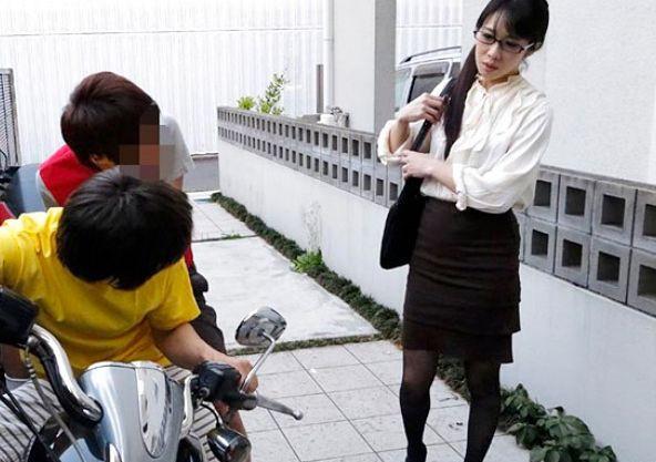 『お願い!膣内は許してぇ!』PTA会長の美人奥様が悪童チンポで快楽堕ち!高慢マンコにヤリたい放題の中出し凌辱!