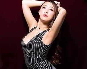 ◆香椎りあ◆高身長の美人女優がドMチンポを弄ぶ淫語責め!腰砕けになるまで徹底的に搾り取るガチ変態痴女!