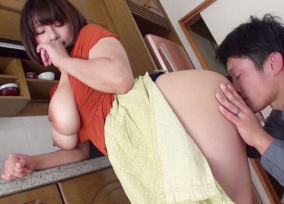 ◆春菜はな◆超巨乳な親戚の伯母さんに青臭い性欲をみなぎらせる甥っ子!辛抱たまらずチンポをねじ込み近親セックス!