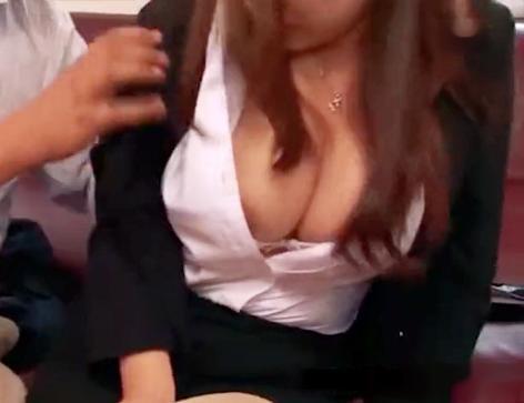 元アイドルの巨乳奥様が落ちぶれた夫のためパトロン男にカラダを捧げる!他人棒に犯され悶絶の膣内射精セックス!