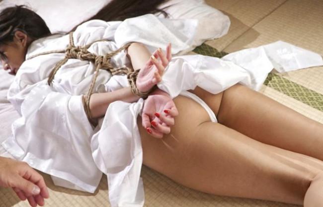 ◆麻生希◆美人女優の卑猥なカラダに荒縄が食い込み悶絶!緊縛拘束のまま男たちが群がり好き放題に凌辱!