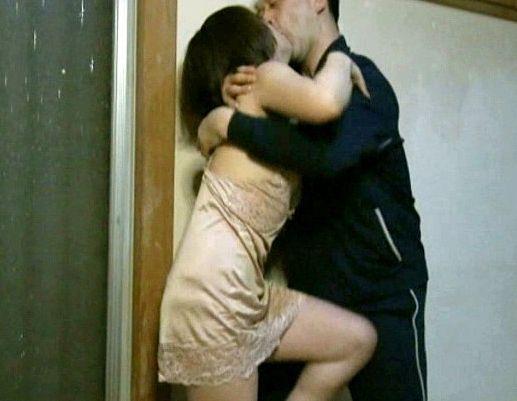 【ながえスタイル】美人奥様が夫を裏切り不貞行為に走る!性の快楽を忘れられず不倫相手とハメまくる肉欲セックス!