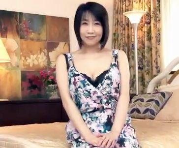 40歳Gカップ巨乳奥様が夫との性生活に物足りなさを感じAV出演!激しいあえぎ声で他人棒に悶絶の初撮りデビュー!