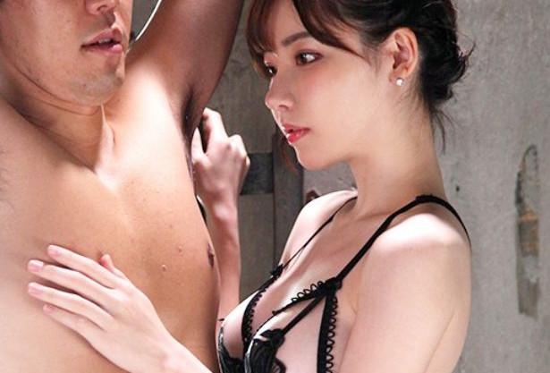 ◆深田えいみ◆巨乳美女が拘束ドM男のチンポをパクッ!強引なフェラで濃厚ザーメンを搾り取るドスケベ痴女!