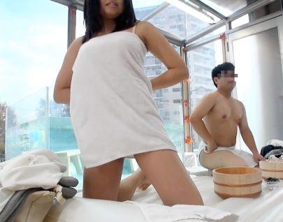 【素人企画】大学生男女が友達同士で初めての混浴体験!お互いのカラダに興奮する2人が我慢できず友情崩壊セックス!