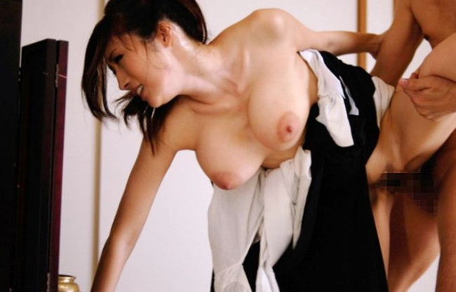 ◆JULIA◆喪服姿の妖艶未亡人が夫の仏前で鬼畜チンポの餌食に!巨乳を震わせ恥辱の快楽に悶え狂う背徳セックス!