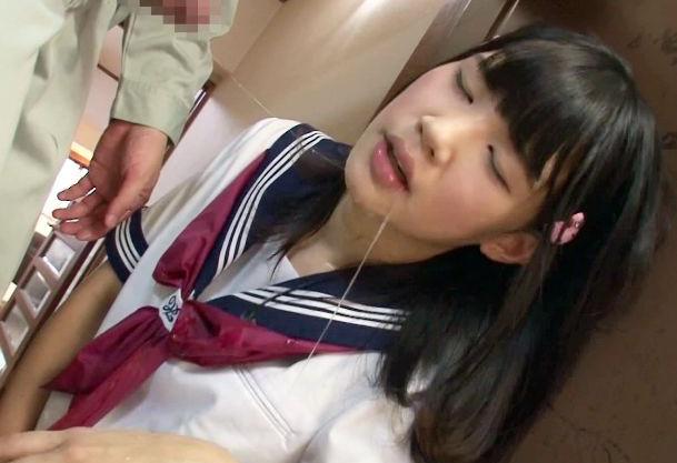 制服美少女が喉奥まで媚薬チンポをねじ込まれガンギマリ!超絶発情マンコを無理やり犯されどっぷり中出しされる!