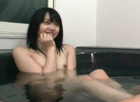 『お兄ちゃんの入れて♡』小悪魔美少女な妹が混浴中の兄にイタズラ♡ギンギン勃起したチンポに発情し即ハメ近親相姦!
