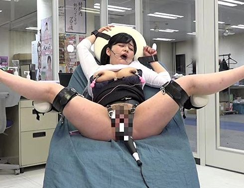 【SOD女子社員】これダメ強すぎぃ!超強力電マ実験の生贄にされたOL美女がガラス張りのオフィスでイキ狂うww