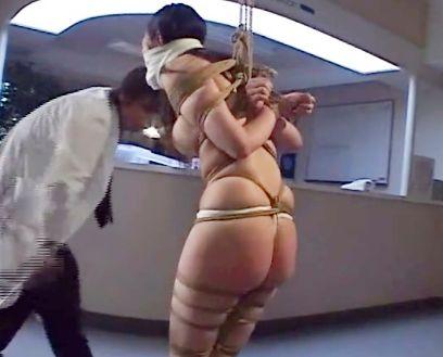 『お願いやめてぇ!』美人女医の巨乳ボディを緊縛拘束!過酷な性拷問でねちっこく快楽調教されてドM便器へと堕ちる!