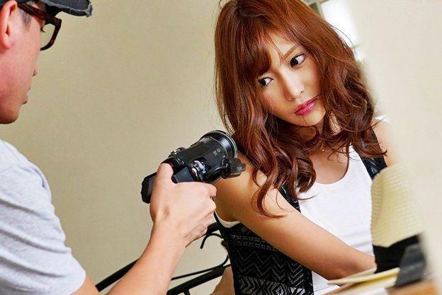 ◆明日花キララ◆トップ女優の弱みを握って好き放題の鬼畜AD!嫌がるマンコにズブッとねじ込み容赦なく犯しまくる!