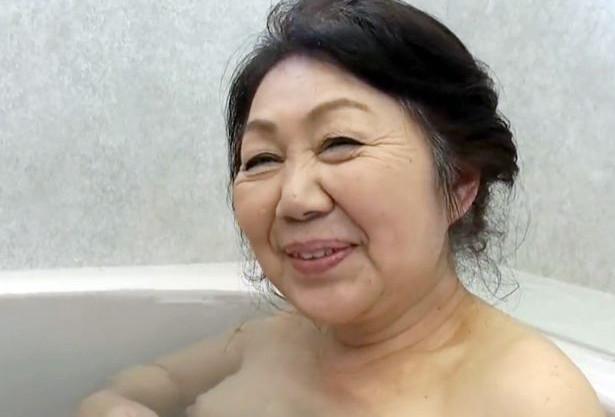【還暦おばあちゃん】六十路を迎えてもまだまだ性欲旺盛!完熟おばさんが盛るカラダを疼かせて若チンポにガチ悶絶!
