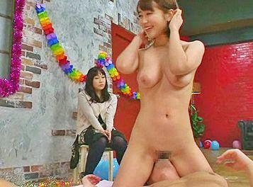 ◆篠田ゆう◆カリスマ女優の本気テクがさく裂♡賞金目指して彼女の前で射精我慢に挑む彼氏があっさりドピュッww