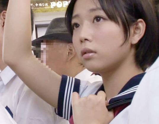 ◆紗倉まな◆かわいい制服娘が電車内で痴漢に襲われる… 激しい責めにマンコを濡らして人前で羞恥にまみれて悶絶!
