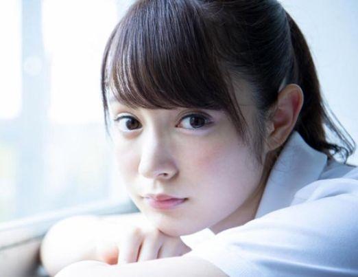 ◆成宮りか◆目鼻立ちの整った美白ハーフ美少女がAVデビュー♡制服姿のまま教室で美乳おっぱい晒してクンニで悶絶♡