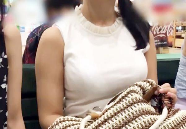 ビキニの中のムチムチ巨乳おっぱいがエロすぎる♡ボンキュッボンの絶品ボディ美女をナンパして水着のままハメまくる!